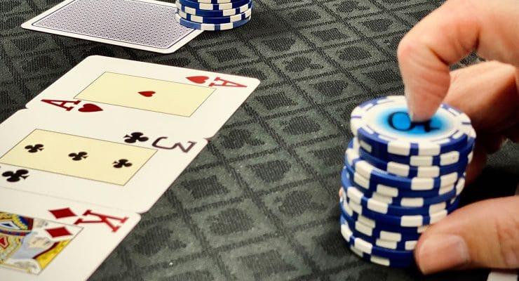 Platzieren einer C-Wette nach Flopkarten