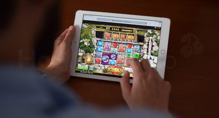 iPad पर बोनान्ज़ा वीडियो स्लॉट चलाना
